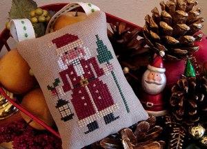 Santa-Nutcracker-1