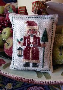 Santa-Nutcracker-2